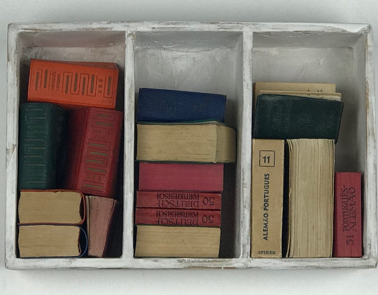 DO GNOMO / Dicionários miniatura e madeira </br>